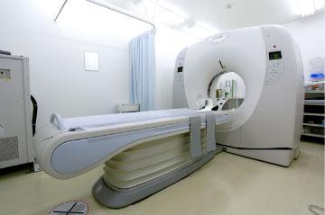 緑地公園駅から徒歩3分、猪瀬整形外科クリニックではMRIを導入しています